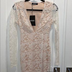 Missguided long sleeve midi dress deep V white sz4